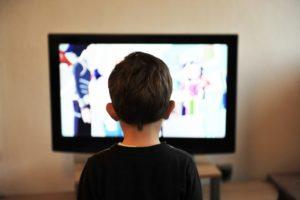 Darmowe filmy w telewizji internetowej – rodzaje i gatunki